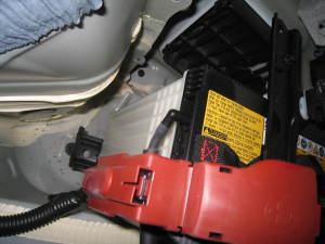 補機バッテリ排気孔付き