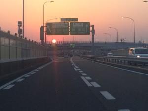 高速からの朝日